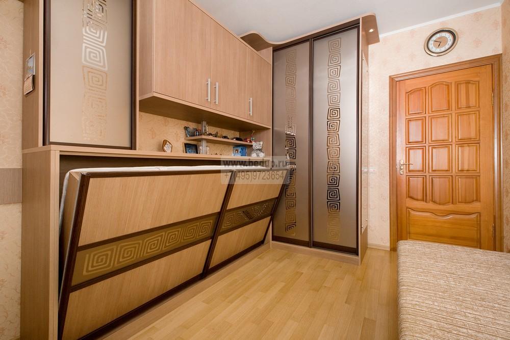 кровать в шкафу-купе фото